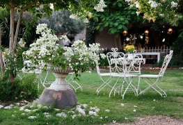 Tips to turn plain patio furniture into a backyard oasis