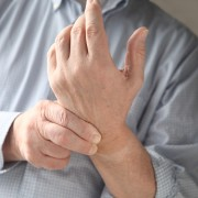 3 ways to treat carpal tunnel syndrome at home