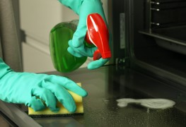 3 tips for keeping your oven clean to make it last