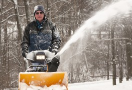 Tips for buying a snowblower so you can finally enjoy winter
