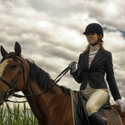 Quick tips for approaching and mounting a horse