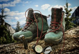 Choosing your hiking footwear