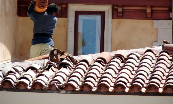 Important tips for safely working on your roof