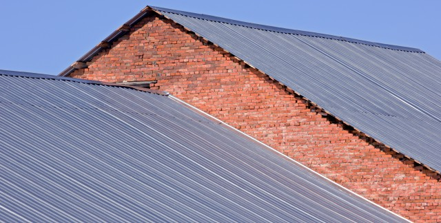 A handy guide to replacing damaged metal roofing
