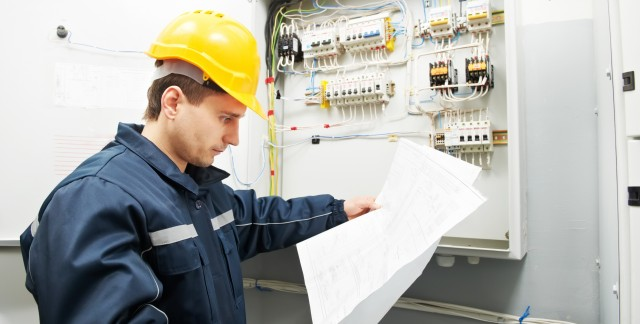How to become a licensed electrician