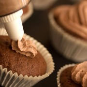 Smart tips and recipes for cupcakes and pie crust