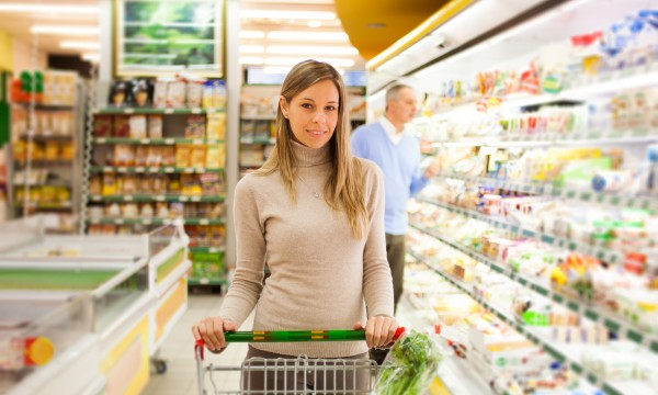 6 tips to saving money in the grocery store