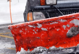 Condominium snow removal: better to DIY or contract out?