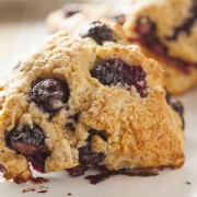 Healthy lunch recipes: chicken curry sandwichand oatmeal scones