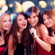 A few ways karaoke can help you become a better public speaker