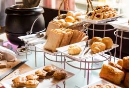 Apple-bran muffins