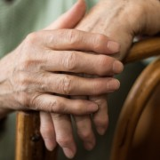 Avoid these 3 bad habits if you have arthritis
