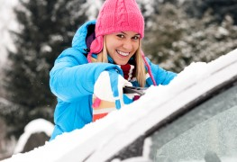 A few techniques to clear the snow from your car like a pro