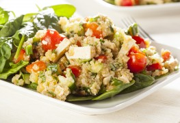 Superfoods recipe: tasty quinoa with summer vegetables
