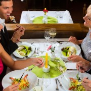 Easy tips for eating healthier at restaurants