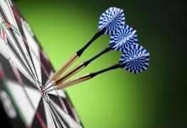 Fun group activities: darts and pétanque