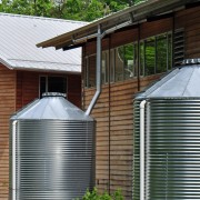 Saving water at home with a rainwater tank