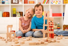 How to pick the right construction toys for children