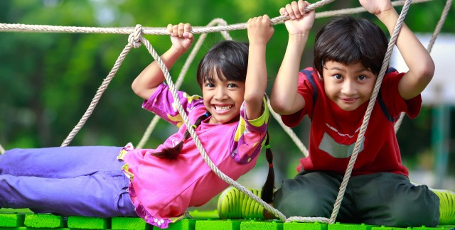 Kids' Games: How to Play Conkers, Cat's Cradle and Broken Telephone