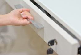 Repairing doors and drawers: 10 practical tips