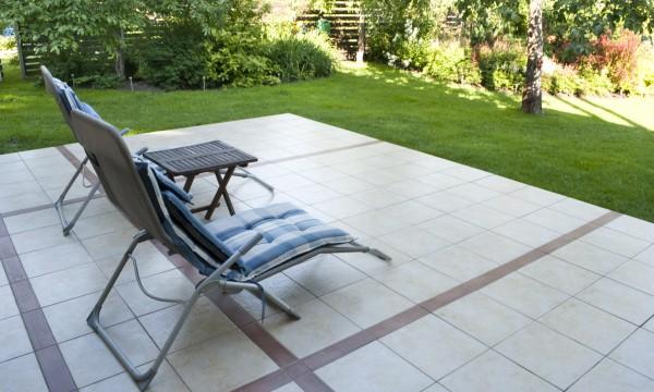 Decorate your patio with DIY repurposed furniture