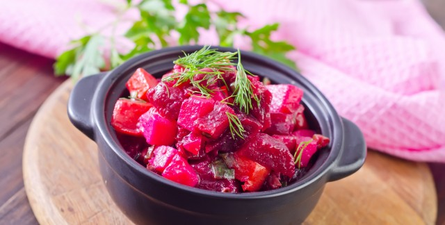 Delicious and refreshing carrot, apple and beet salad
