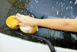 Tips to clean windshields, wipers and windows