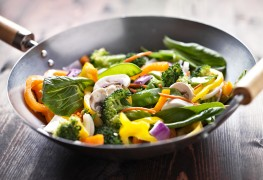 2 vegetarian classics: fried rice and Thai-style stir-fry