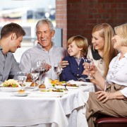 2 quick ways to be good restaurant company