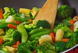 Heart-friendly stir-fry with spicy garlic sauce