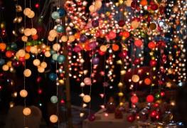 Making beautiful DIY string lanterns at home