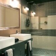 5 tips for successful bathroom decorating