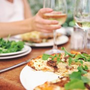 Top 5 tips for eating healthy when eating out