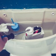 4 easy-to-fix solutions for a weak flushing toilet | Smart Tips