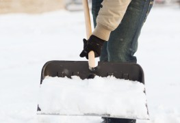 6 essential snow shoveling tips to help save your back