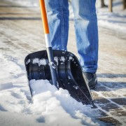 5 benefits of having a snow removal contract: right for you?