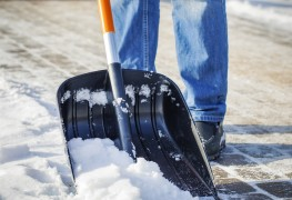 How to choose the right snow shovel