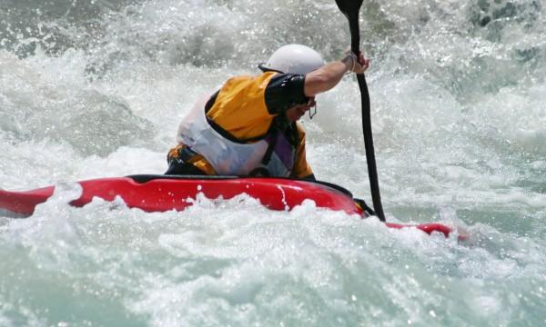 4 whitewater kayaking safety tips