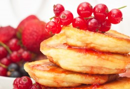 Super foods recipe: red berry pancakes