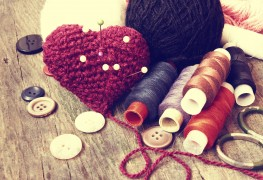 The items you need to start a sewing kit