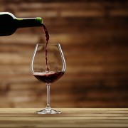 Four helpful wine-drinking tips for sulphite allergy sufferers
