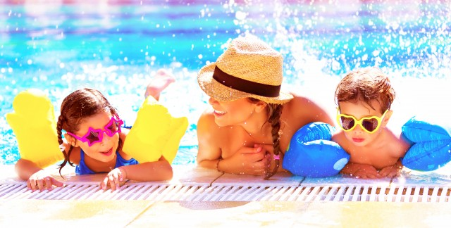4 hints for keeping your stuff safe at water parks