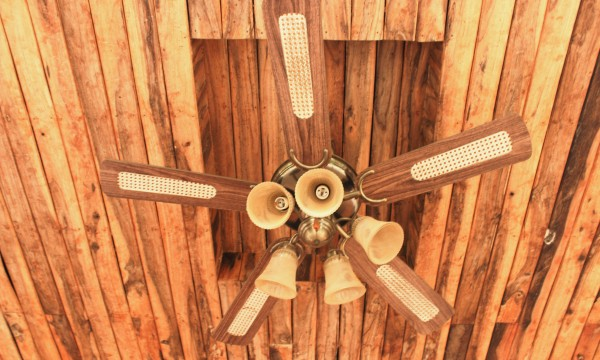 How outdoor ceiling fans can define a space and combine style with function