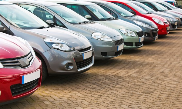 8 tips to keep your car clutter-free
