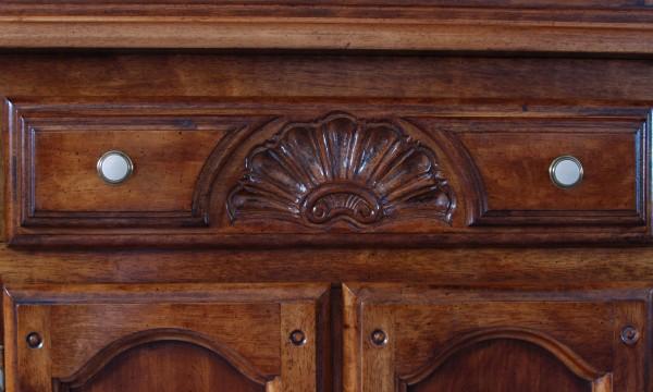 Finishing wooden furniture: a practical primer