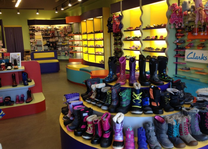 Little Footprints - Children's shoes, children's clothing, professional shoe fitting