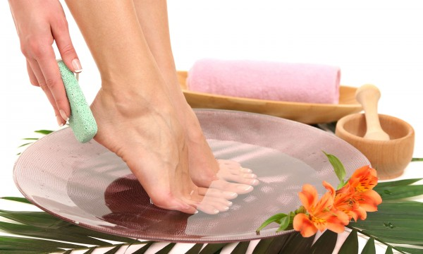 3 natural approaches to healing your feet