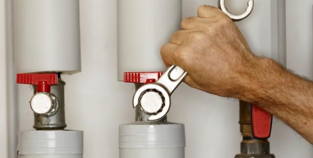 4 plumbing tasks best left to the pros