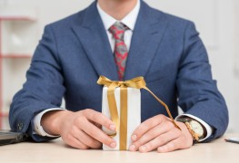 5 simple steps for giving your employees the perfect gifts