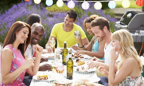 5 ways to host a great neighbourhood barbecue